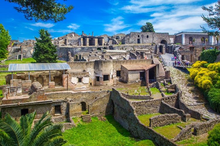 Heldagsutflukt Pompeii og Vesuv (F, M)